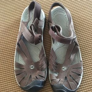 Women's Keen Rose leather sandals size 9.5